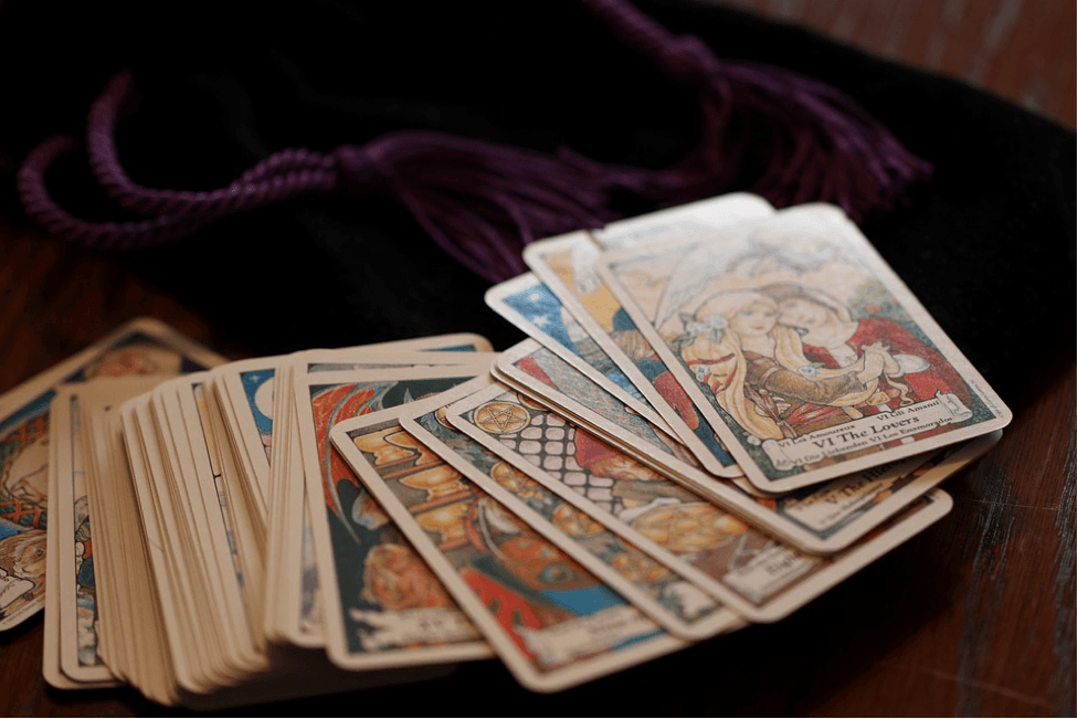 tarot-cards-or-psychic-reading