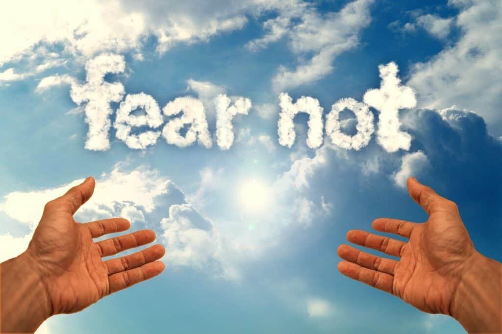 fear-not-faith-4932875_1280