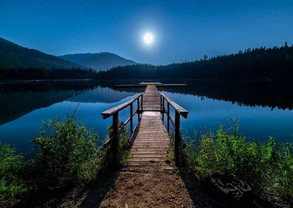 symbolism-moon-water