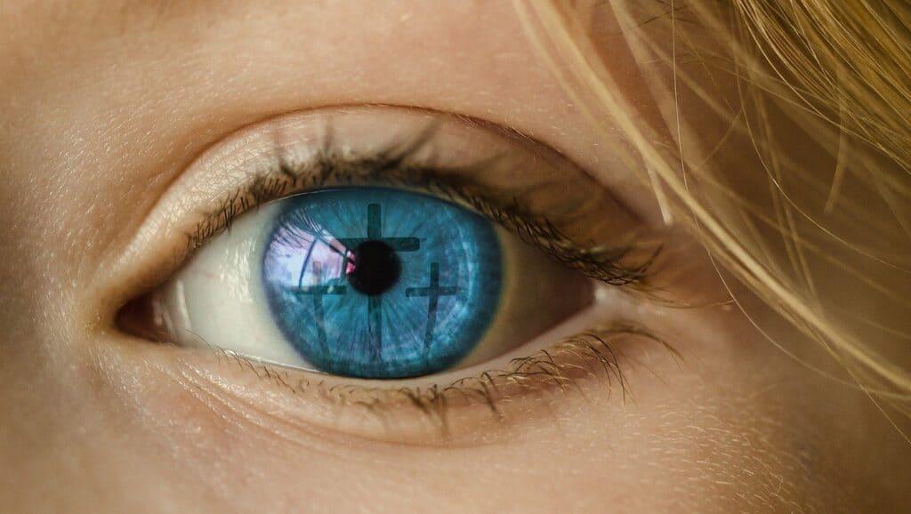 cross-eye-reflection