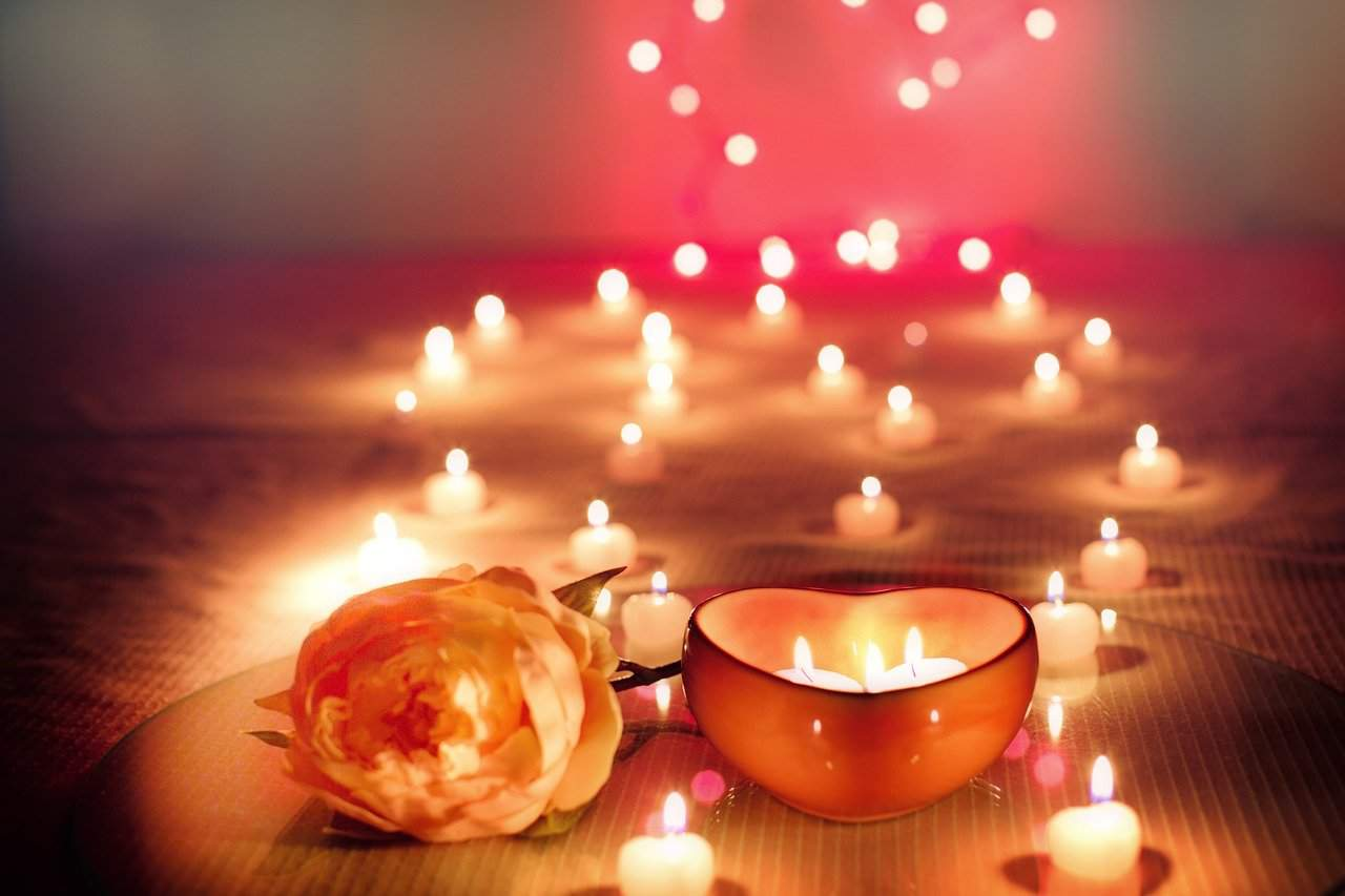 candles-and-heart